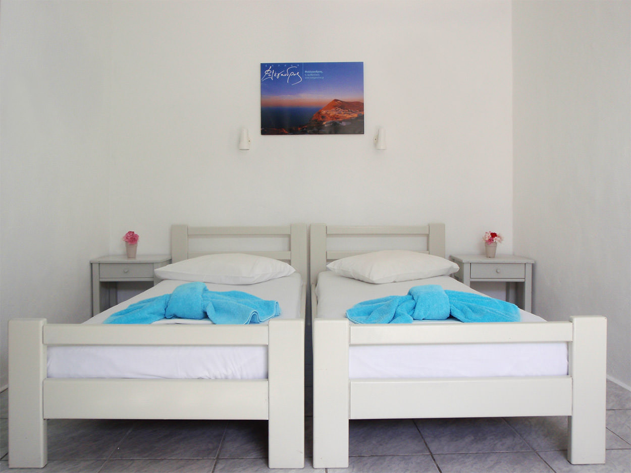 Pavlos x2 Folegandros - Accommodation